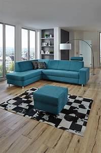 Polstermöbel Mit Dampfreiniger Säubern : auf dieser farbigen wohnlandschaft lassen kann man sich es gut gehen lassen das hochwertige ~ Markanthonyermac.com Haus und Dekorationen