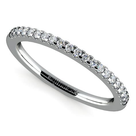 scallop diamond wedding ring in white gold 1 4 ctw