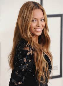Hair Color Out Of Carpet by Beyonce Wears Stunning Natural Makeup For 2015 Grammy Awards