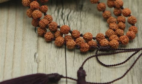 Mala Beads: Meaning, Benefits and Meditations - True ...