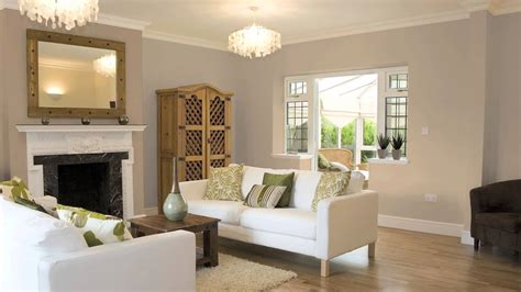 How To Use Dark & Light Shades Of One Color To Paint A