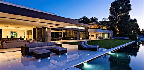 luxury real estate the list