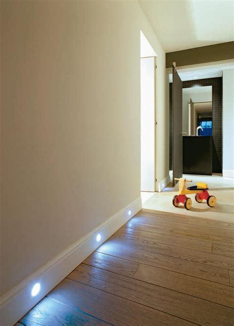 Sockelleisten Mit Led Beleuchtung by Led Sockelleisten Bodenbel 228 Ge Im Spot Licht