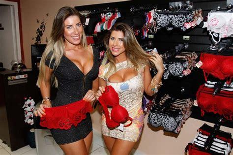EGO Irmãs Minerato conferem novidades em Sex Shop de São Paulo notícias de