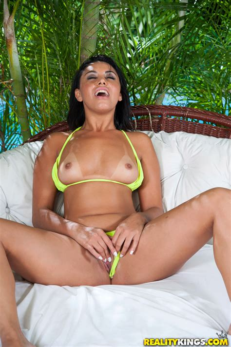 Sexy Brunette Is Nude And Horny Photos Sara Rosar Milf Fox