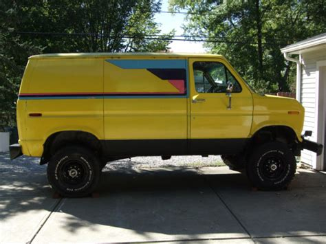 ford econoline  van  sale  technical