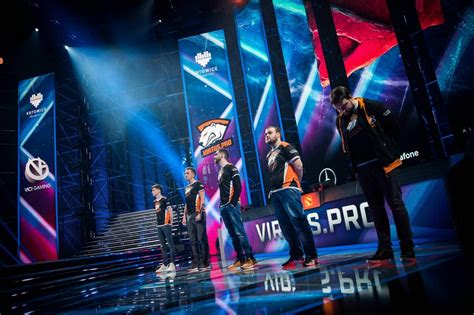 virtuspro win esl  katowice major black leaves clutch