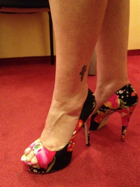 trisha yearwoods feet