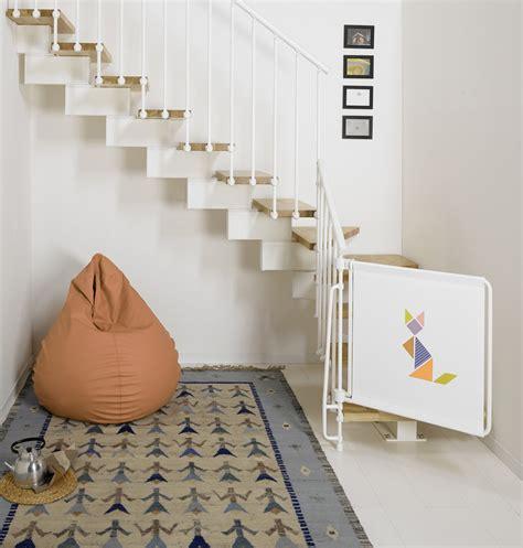 ringhiera scale interne scala salvaspazio di fontanot attrezzata con mensole