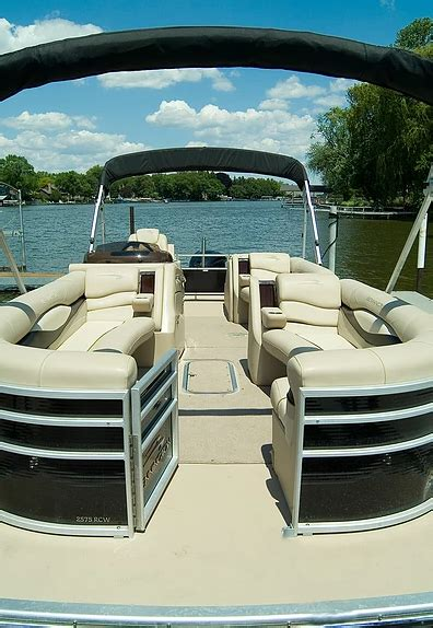Boat To Rent Near Me by Chain Of Lakes Boat Rental And Tours Coupons Near Me In