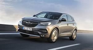 Opel Ampera Commercialisation : opel grandland x hybride rechargeable commercialisation prix performances ~ Medecine-chirurgie-esthetiques.com Avis de Voitures