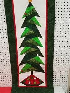 paper piecing christmas tree