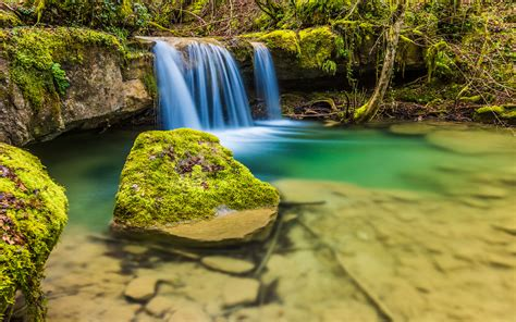nice small waterfall clear water rocks  moss hd