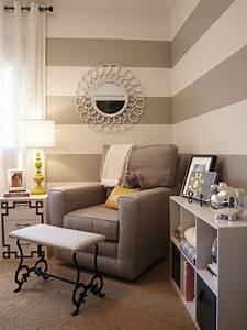 Graue Wandfarbe Wohnzimmer : graue streifen an der wand babyzimmer r ume pinterest kinderzimmer ideen und schlafzimmer ~ Markanthonyermac.com Haus und Dekorationen