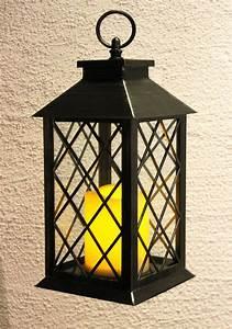 Laterne Mit Led Kerze : dekorative laterne mit led kerze aus echtwachs und kunststoff die kerze imitiert kerzenflackern ~ Orissabook.com Haus und Dekorationen