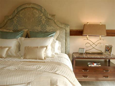 Classic Luxurious Bedroom Design In Champagne Champagne