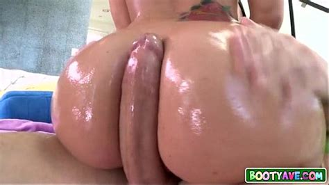 Oiled Up Big Booty PAWG XVIDEOS COM