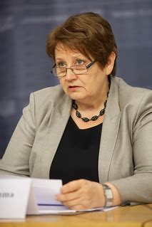 Ministru prezidente Laimdota Straujuma piedalās preses kon ...