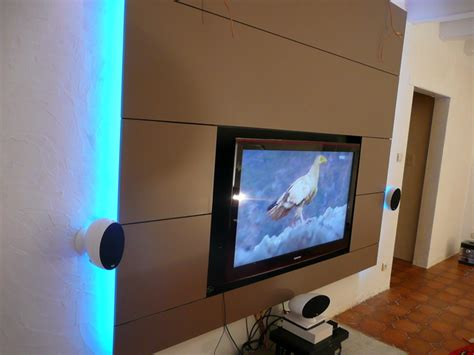 table de cuisine fix馥 au mur fixation tv mur placo meuble avec support tv table escamotable avec pied dans un tiroir accessoires de with fixation tv mur placo am