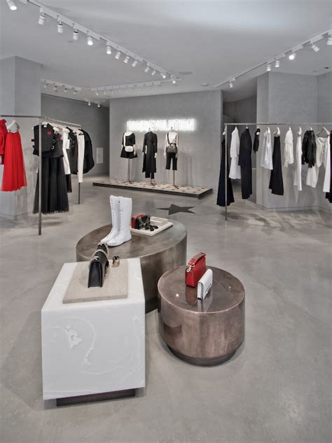 spring summer  dior collection pop  stores