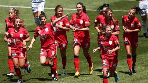 113 990 tykkäystä · 2 871 puhuu tästä · 2 136 oli täällä. Adelaide United W-League captain Stella Rigon shows ...