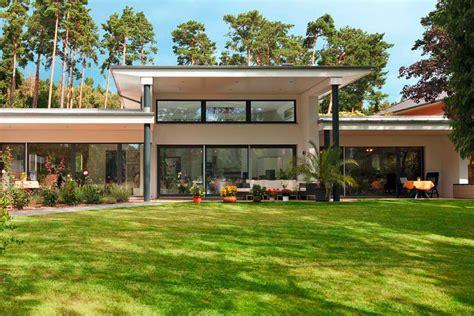 Moderne Häuser Bayern by Breit Aufgestellt Bungalows 187 Livvi De