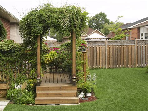 Backyard Trellis Ideas by 31 Backyard Arbor Designs And Ideas