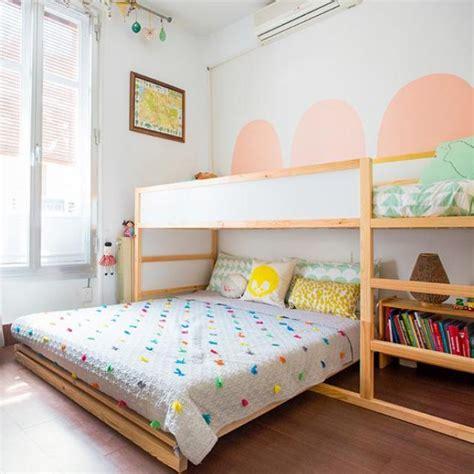 Kinderzimmer Für Zwei Mädchen Und Junge by Hochbett Und Doppelbett Im Geteilten Kinderzimmer