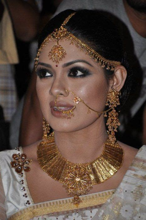 1000  images about Bridal MakeUp on Pinterest   Jewelry