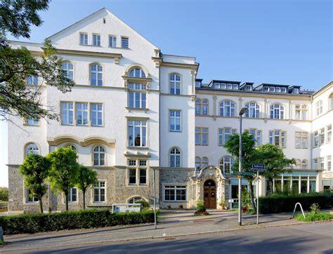 Senioren Und Pflegeheim In Wiesbaden Maternus