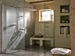 Comment Faire Une Douche à L Italienne : comment poser une paroi dans une douche l italienne ~ Melissatoandfro.com Idées de Décoration