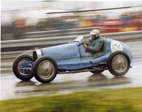 60s and 70s of the year were the era of oblivion for the brand bugatti and only in the late 80s italian entrepreneur romano artioli, bought the rights to the brand, created the company bugatti automobili spa. Type 35B Bugatti - Oulton Park 1980 vscc   Bugatti T35B . Th…   Flickr