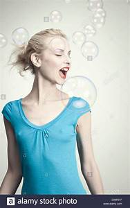 open blouse stockfotos open blouse bilder alamy With markise balkon mit tapeten für junge männer