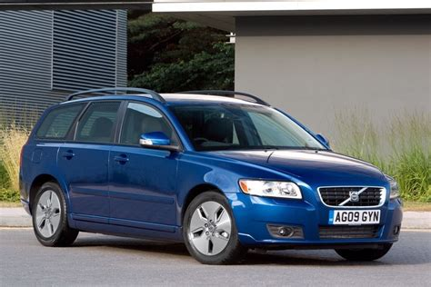 Volvo V50 2004 - Car Review