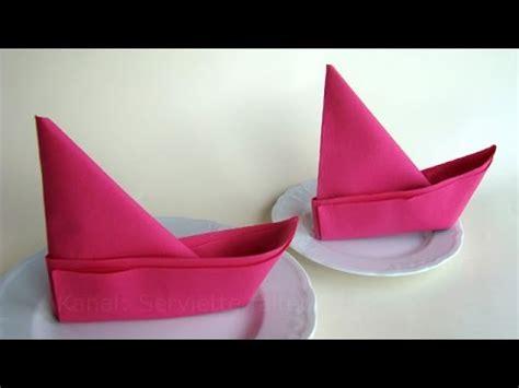 servietten falten fächer anleitung servietten falten anleitung boot ideen f 252 r tischdeko basteln