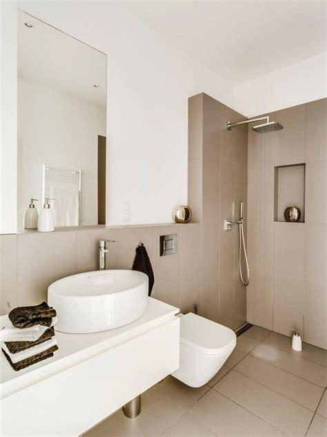 Kleines Badezimmer Fliesen Größe by Cappuccino Fliesen Und Wei 223 E Farbe Im Kleinen Bad Bad