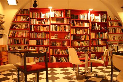 libreria bracciano piccole librerie chiudono giganti editoriali crescono