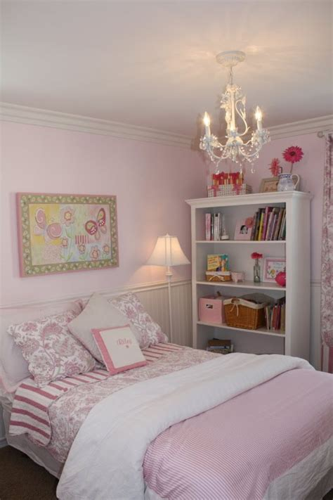 * Remodelaholic * Little Girl's Pink Bedroom