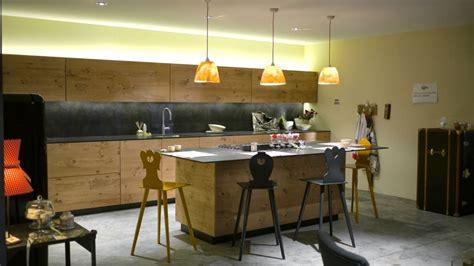 chambre en pin cuisine noir couleur mur