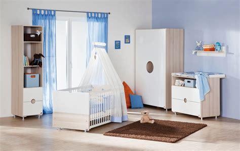 chambre bébé bleu le top 5 des couleurs dans la chambre de bébé trouver