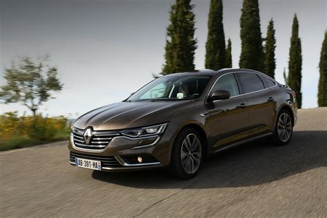 renault talisman renault talisman gets a virtual rs performance treatment