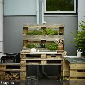 diy outdoorkuche aus paletten bauen kochen selber With französischer balkon mit upcycling im garten