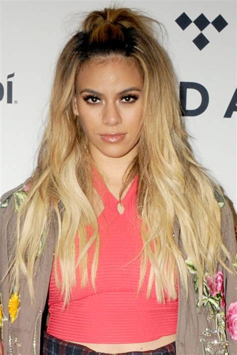 Dinah Jane Hansen Hairstyles Hair Colors Steal Her Style