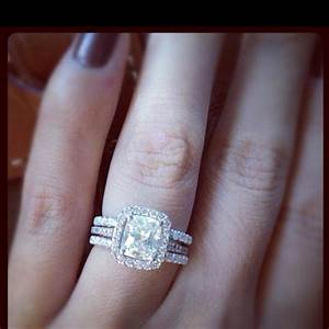 Sister39s engagement ring and double wedding band rings for Engagement ring with double wedding band