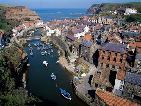 Staithes Near Whitby England Wallpapers