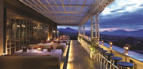atmosfer eropa  bumi parahyangan gh universal hotel