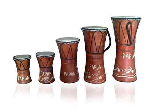 Sebenarnya alat musik akordeon bukan asli berasal dari jambi, alat musik ini pertama kali dibuat. TUGAS SEKOLAH: ALAT MUSIK TRADISIONAL DAN LAGU DAERAH