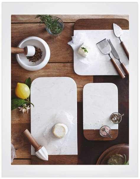 PESTO wood and marble pastry serving and cutting board