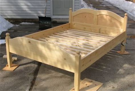 build  wooden bed frame  interesting ways guide patterns