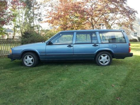sell  volvo  turbo wagon manual trans  owner